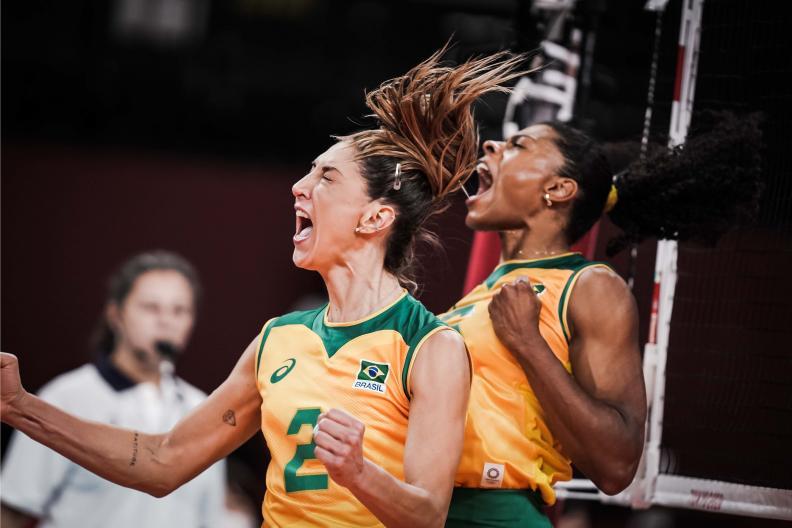 thumbnail do Álbum Tóquio: Brasil bate ROC e avança à semifinal olímpica (04/08/2021)