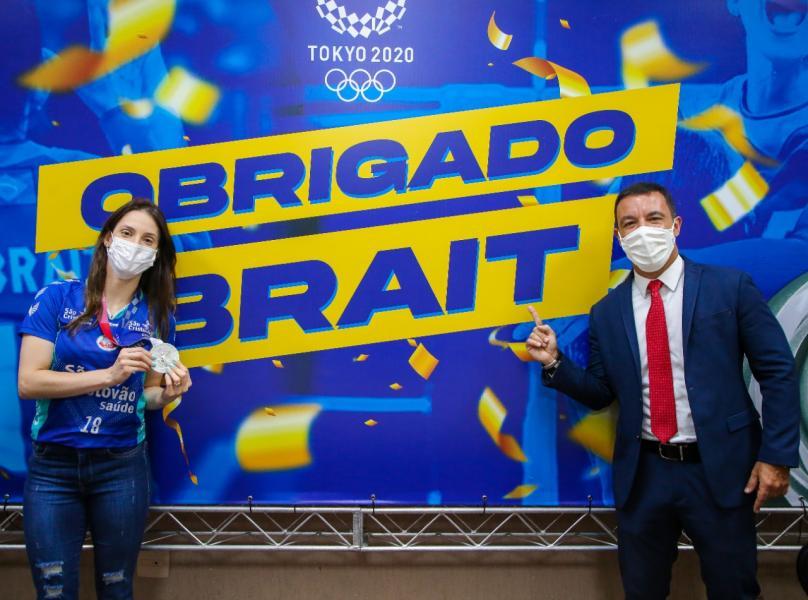 Capa da notícia - Camila Brait recebe homenagem da Prefeitura de Osasco