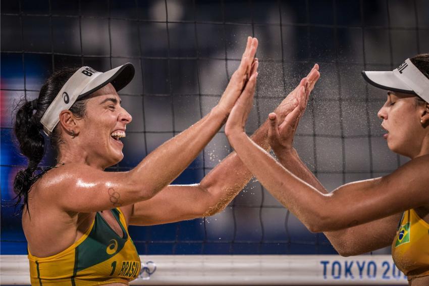 Capa da notícia - Tóquio: Brasil já tem duas duplas classificadas no vôlei de praia