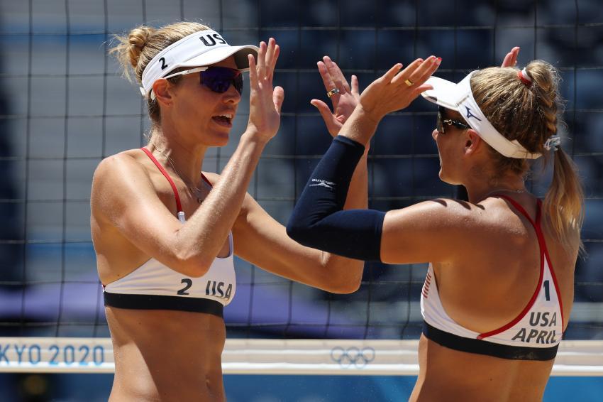 Capa da notícia - Tóquio: April Ross e Alix Klineman são campeãs olímpicas