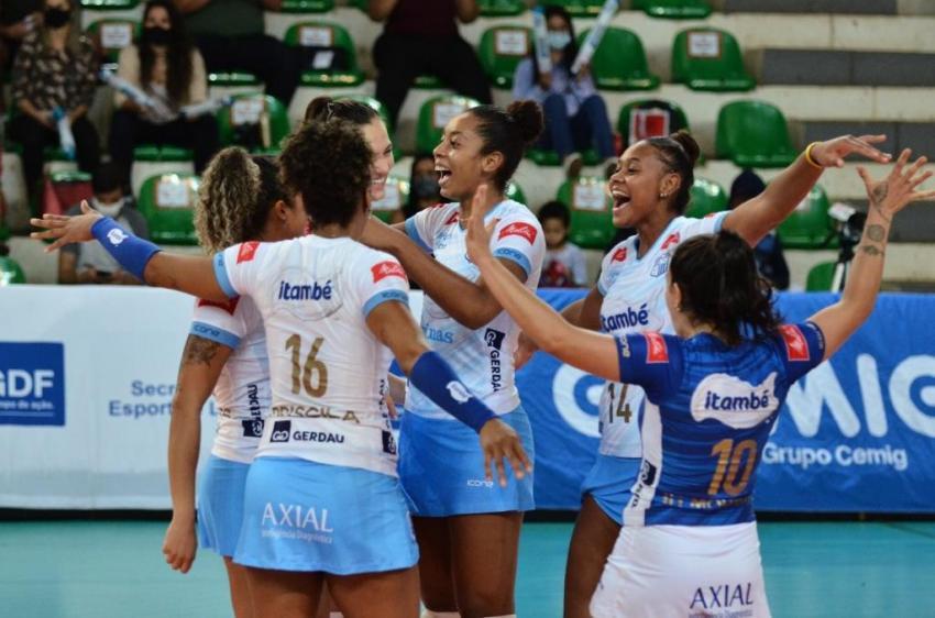 Capa da notícia - Sul-Americano: Itambé/Minas e Dentil/Praia Clube definem título