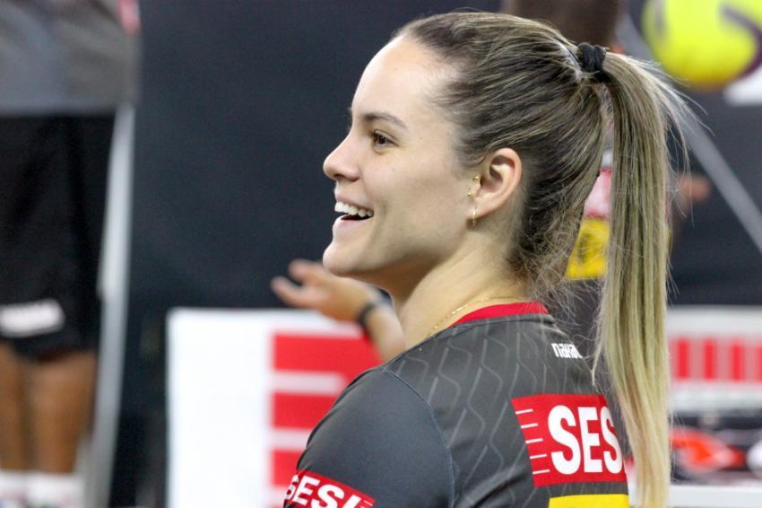 Capa da notícia - Reforçado por Leticia Hemelly, Sesi Vôlei Bauru enfrenta Pinheiros