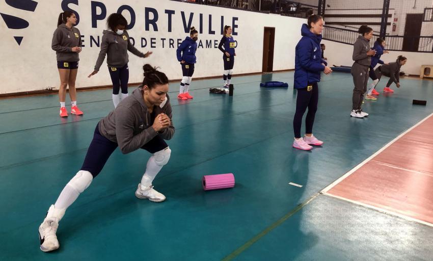Capa da notícia - Brasileiras voltam aos treinos na reta final de preparação para Tóquio