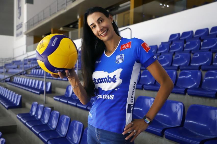 Capa da notícia - Sheilla Castro inicia transição de carreira no Itambé/Minas