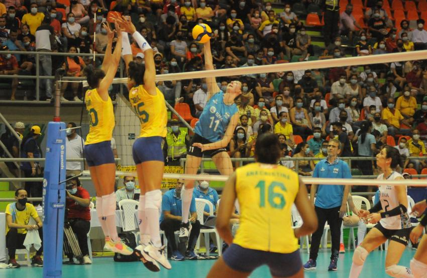 Capa da notícia - Sul-Americano: de virada, Brasil bate Argentina