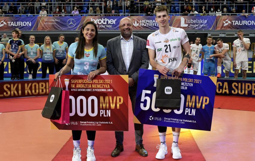 Capa da notícia - Bruna Honório é MVP e campeã da Supercopa da Polônia