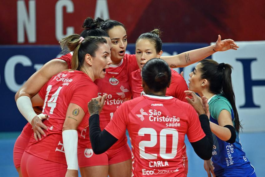 Capa da notícia - Com volta da torcida, Osasco abre semifinal diante do Pinheiros