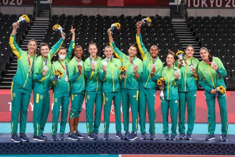 Capa da notícia - Brasileiras analisam conquista da prata olímpica