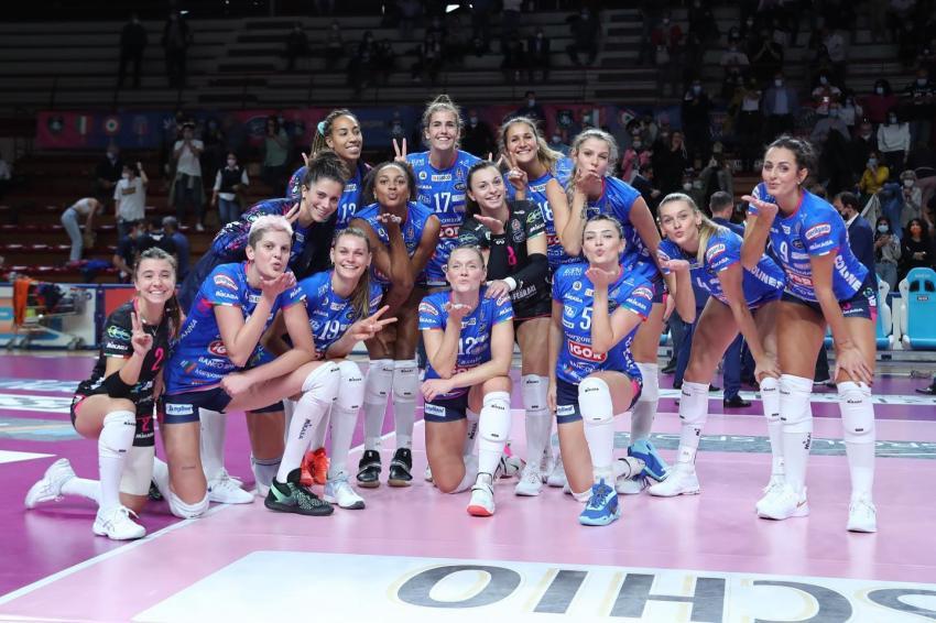 Capa da notícia - Itália: Novara estreia com vitória