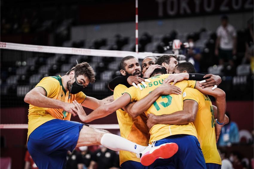 Capa da notícia - Tóquio: Brasil bate Japão e confirma ida às semifinais