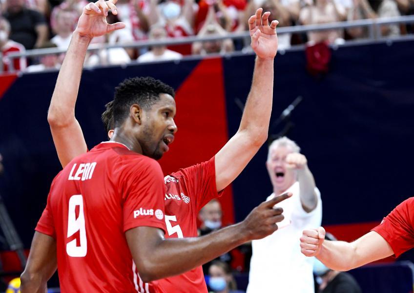 Capa da notícia - Europeu: Polônia se garante nas quartas de final