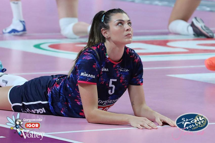 Capa da notícia - Rosamaria analisa primeiro mês no Novara