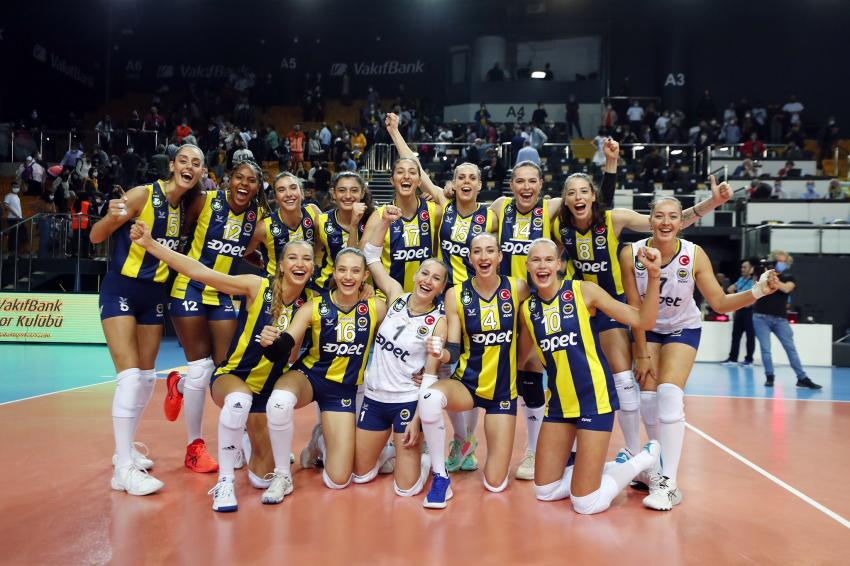 Capa da notícia - Russas comandam vitória do Fenerbahçe sobre Vakifbank