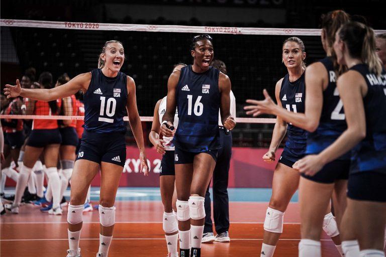 Capa da notícia - Tóquio: EUA batem dominicanas e estão nas semifinais