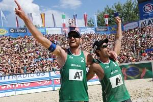 Dupla tem dois compromissos importantes este ano: Super Praia e Circuito Mundial (Foto/Divulgação FIVB)