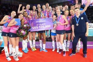 Garay e Fabíola permanecerão no voleibol russo por mais uma temporada (Foto: Divulgação/FIVB)