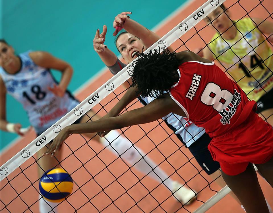 Crédito: Volleyball club Dinamo-Kazan / Facebook