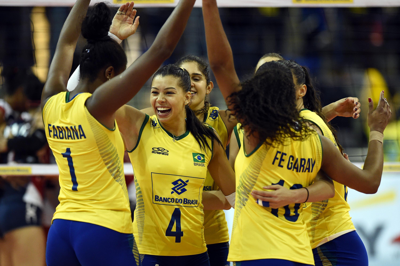 Melhor do Vôlei – Centrais brasileiras brilham na segunda vitória ... dfd4aeb56606c